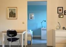 1546695869-blick-ins-schlafzimmer
